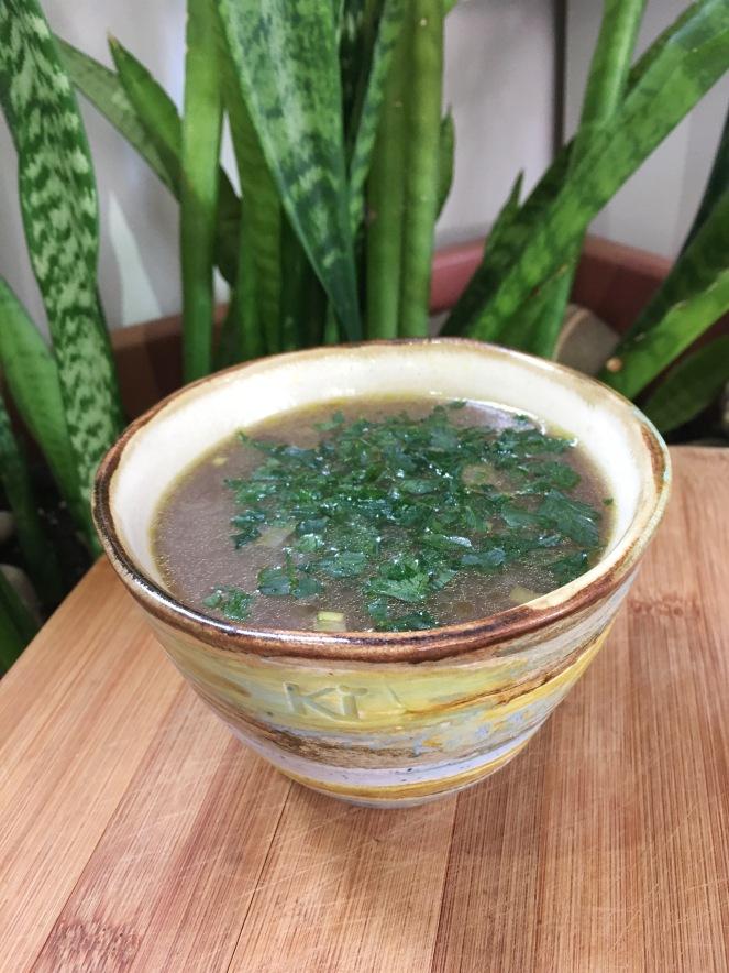 Sopa de miso veraniega